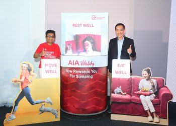 Anusha Thavarajah, Chief Executive Officer, AIA Bhd. and Heng Zee Wang, Chief Marketing Officer, AIA Bhd., officially launching the AIA Vitality's Sleep Tracking Benefit.